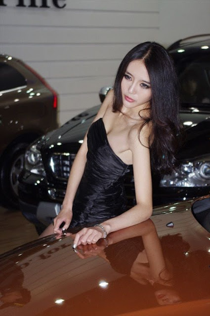 Chinese Model Yuan Shuai
