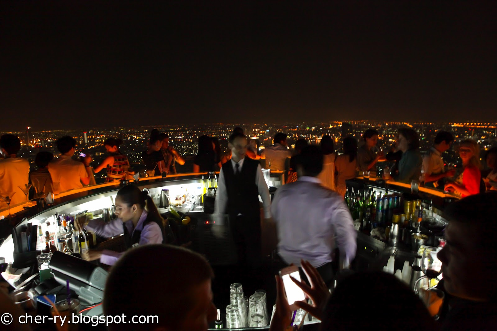 life of a lil notti monkey sirocco sky bar state tower. Black Bedroom Furniture Sets. Home Design Ideas