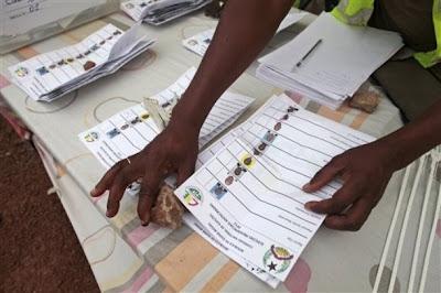 Guiné-Bissau: ENTARDECER CALMO NA CONTAGEM DOS VOTOS