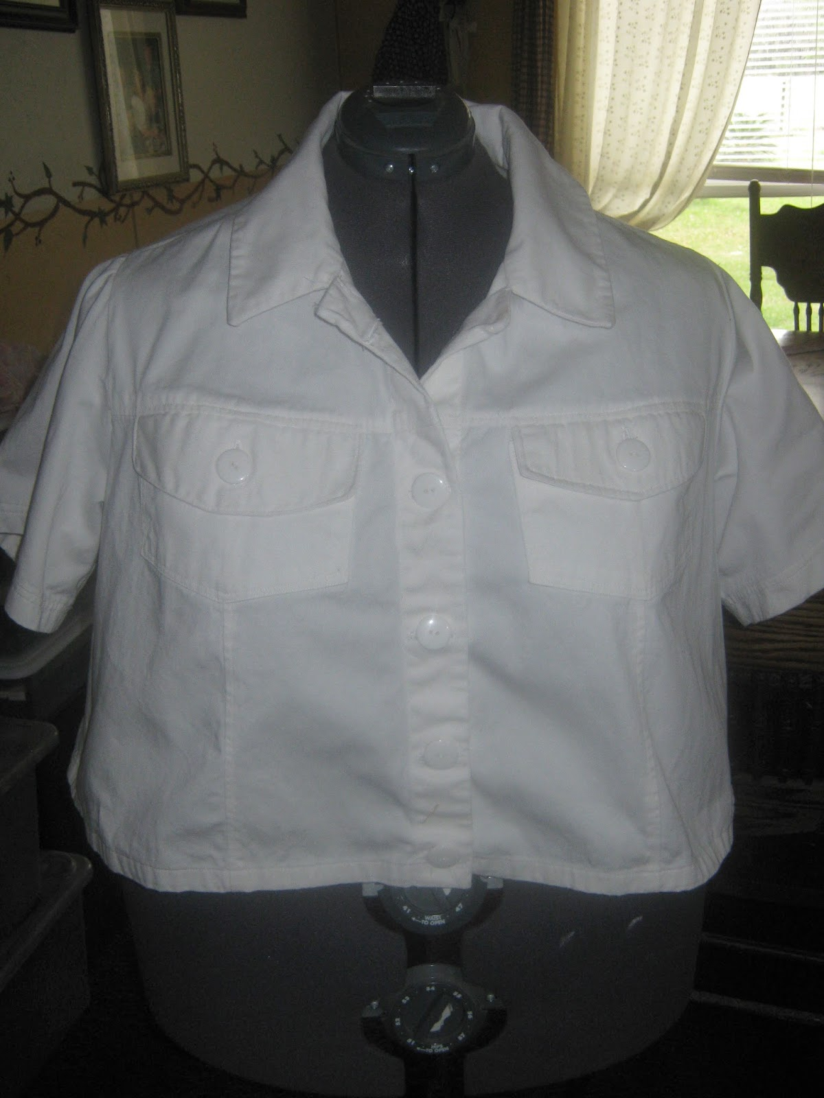 Butterick 5616 White Denim Crop Jacket www.sewplus.blogspot.com