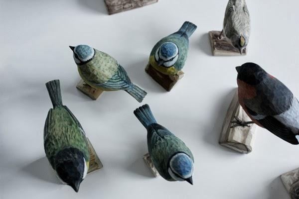 handsnidade fåglar, småfåglar, webbutik, bengt karlsson, handsnidad, hantverk, fågel, fåglar, blåmes, blåmesar, domherre, talgoxe, fågel, webshop, nätbutik, nätbutiker, annelies design, anneliesdesigninterior,