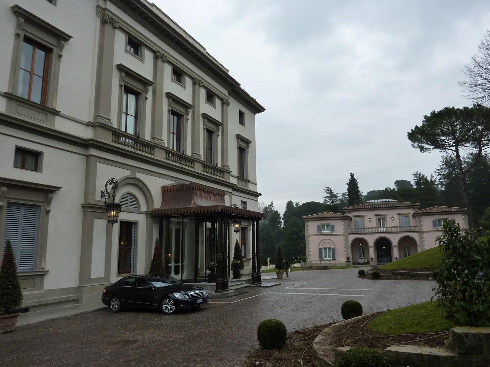 allegra 39 s idylls hotel 19 grand hotel villa cora and. Black Bedroom Furniture Sets. Home Design Ideas