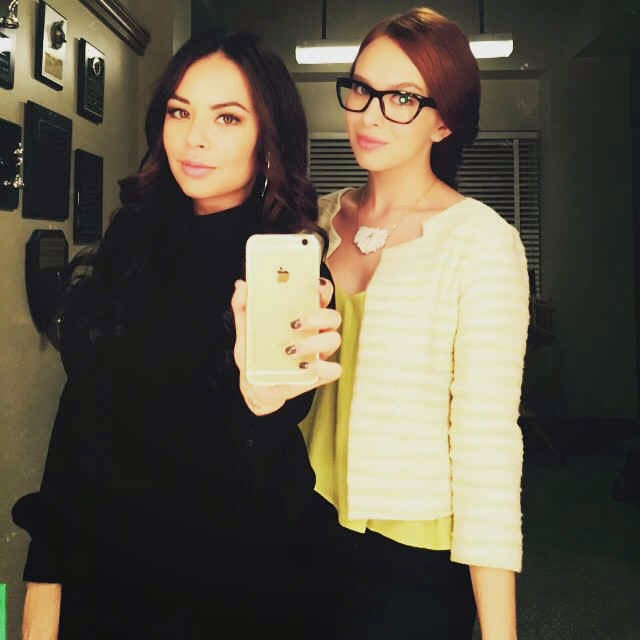 Janel Parrish and Elizabeth McLaughlin PLL BTS 6x04 6x05