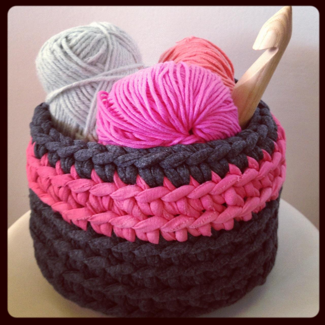Cesta de trapillo como hacer una cesta de trapillo - Como hacer trapillo ...
