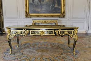 marqueterie boulle bureau plat ex cut par a c boulle pour le prince de cond. Black Bedroom Furniture Sets. Home Design Ideas