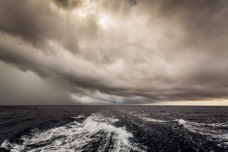 Scampato pericolo, la flotta divisa in due
