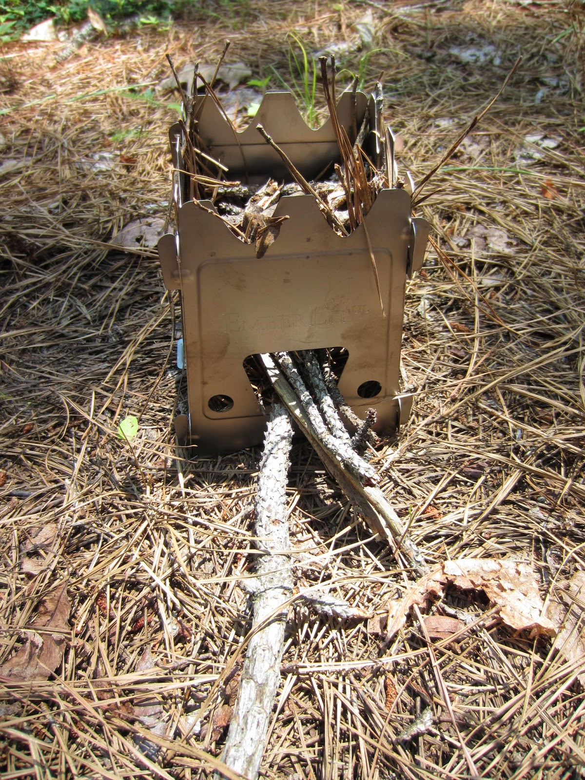 LIGHT & ULTRALIGHT BACKPACKING: Emberlit Three Fuel Stove