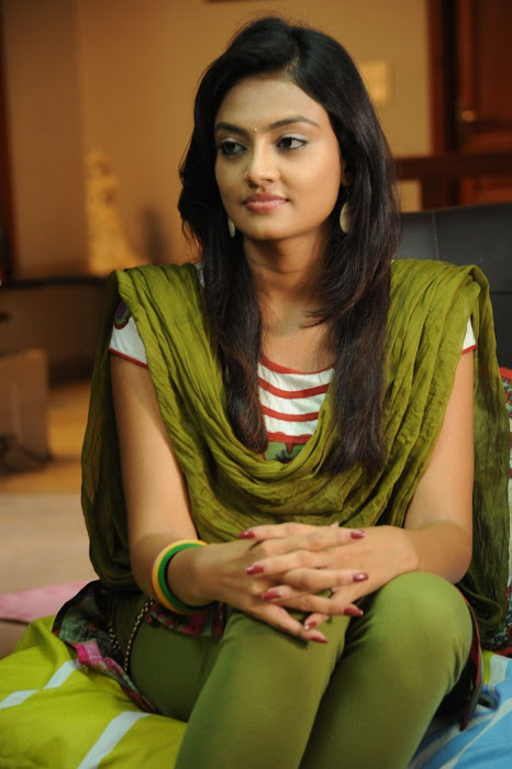 nikitha narayan from its my love story, nikitha narayan glamour  images