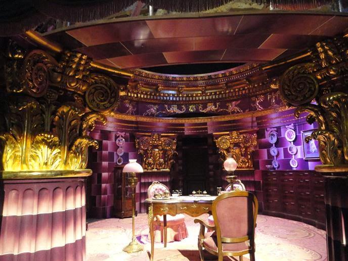 O escritório e figurinos de Dolores Umbridge - Visitando os Estúdios de Harry Potter em Londres