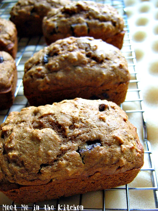 Meet Me in the Kitchen: Chocolate Chunk Oatmeal Cookie Bread