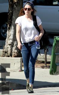 Kristen Stewart - Imagenes/Videos de Paparazzi / Estudio/ Eventos etc. - Página 31 Rs_634x1024-130503161527-634.5kstew.ls.5313_copy