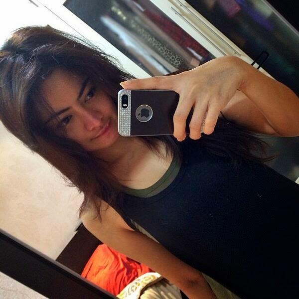 foto selfie seksi cantik vitalia shesya toket gede