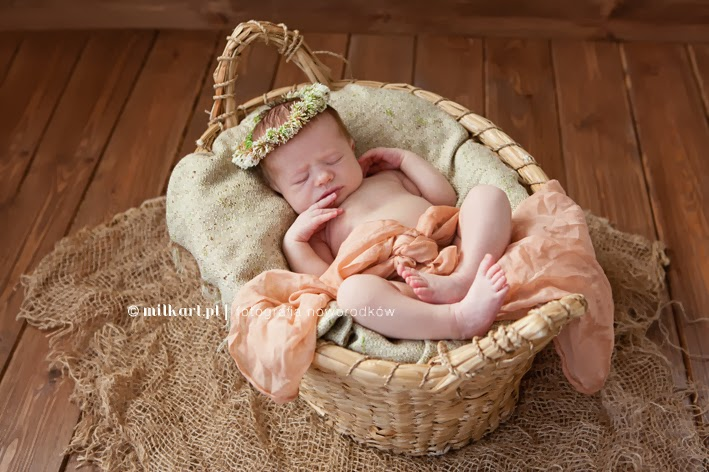 fotografia noworodkowa noworodka poznań joanna jaśkiewicz, fotograf dziecięcy noworodkowy poznań, fotografia dziecięca niemowlęca niemowlaka poznań, sesje zdjęcia noworodkowe noworodków, sesje fotograficzne noworodkowe noworodków niemowlaków niemowlęce dziecięce