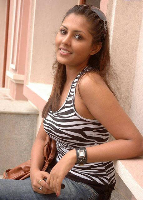 Honey Wife Sakshi Singh Rawat