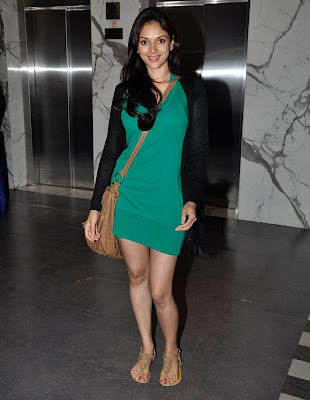 Aditi_Rao_green_dress_looks_stunning_FilmyFun.blogspot.com