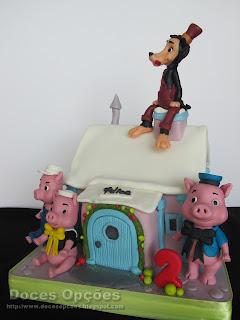 bolo aniversário 3 porquinhos lobo mau