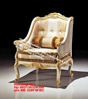 Toko mebel jati klasik jepara,sofa cat duco jepara furniture mebel duco jepara jual sofa set ruang tamu ukir sofa tamu klasik sofa tamu jati sofa tamu classic cat duco mebel jati duco jepara SFTM-44075