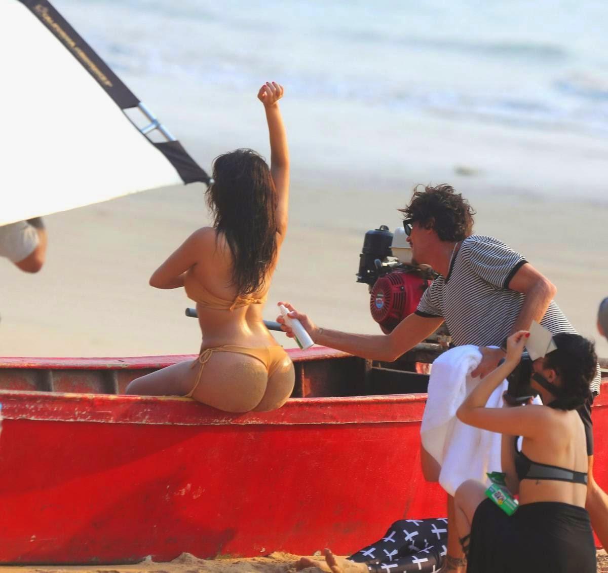 Kim Kardashian feneke Operabál és Thaiföld