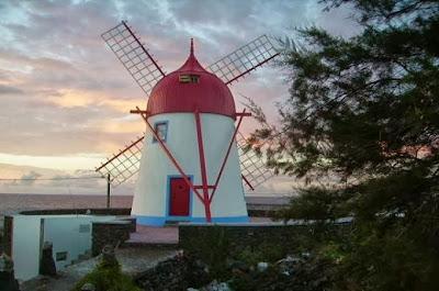 Típico molino de viento de la Isla Graciosa