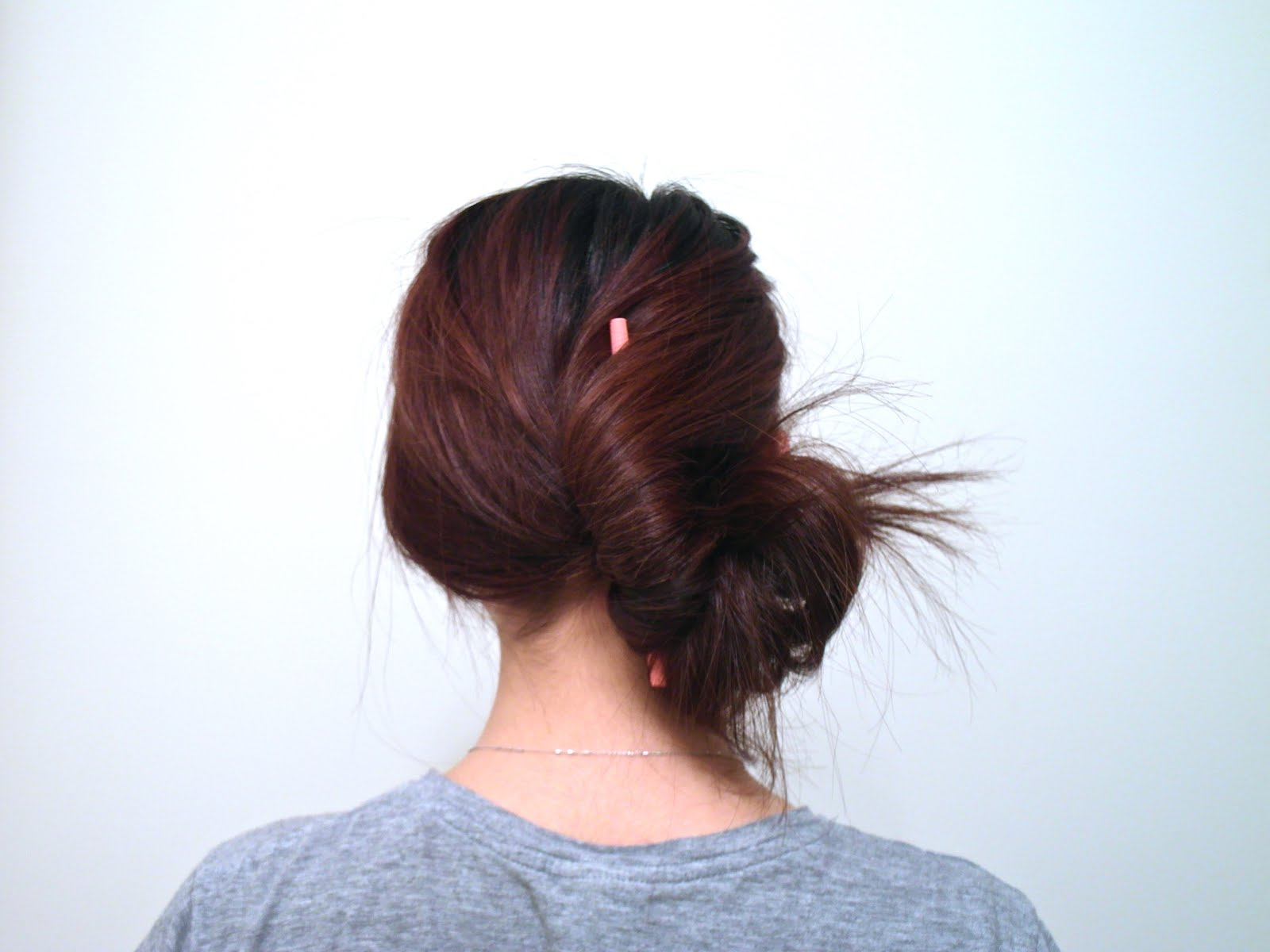 Not A Blog But A Blob  How to tie your hair with just a pen. 1c33c895e7a