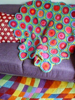 Bobble stitch hexagon blanket