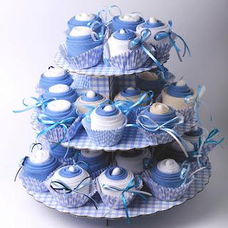 mpomponieres cupcakes gia vaptisi agoriou