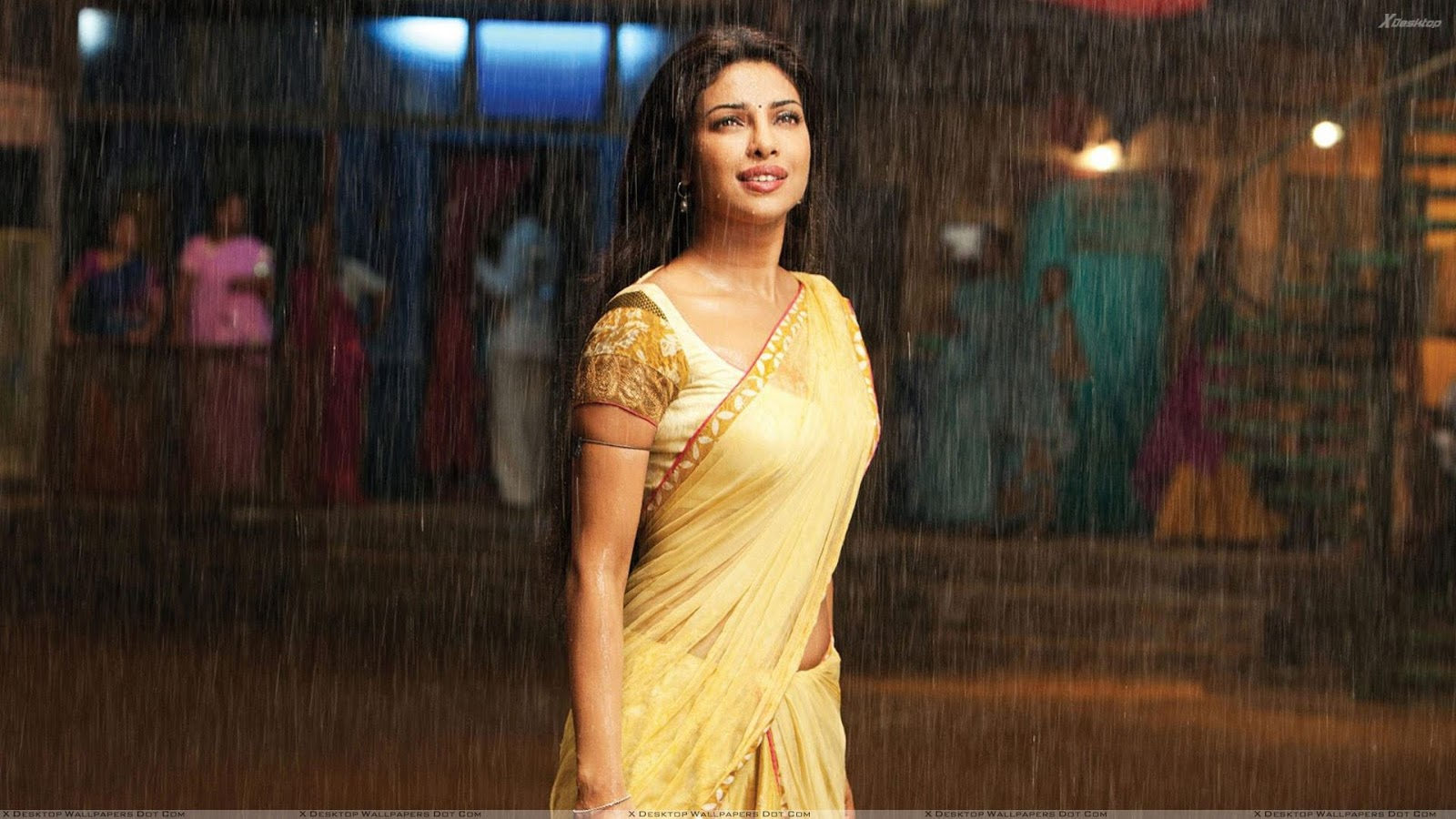 Priyanka Chopra hot in Agneepath, Priyanka Chopra in yellow saree, Priyanka Chopra in Agneepath