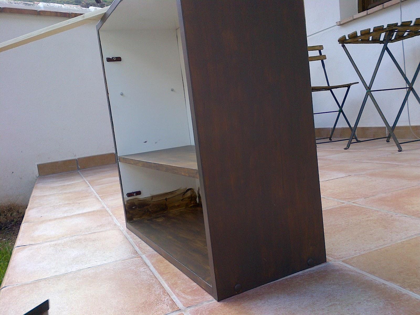 Un mueble auxiliar para el ba o robando al tiempo - Pintar mueble bano ...