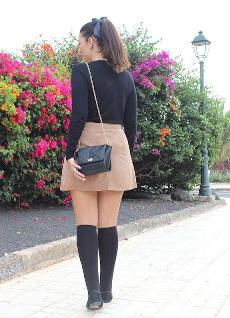 Brown_Suede_Skirt_The_Pink_Graff_07