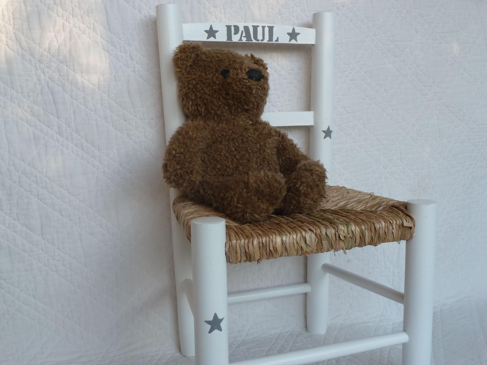 urlu et berlu chaise pour enfants personnalis e. Black Bedroom Furniture Sets. Home Design Ideas
