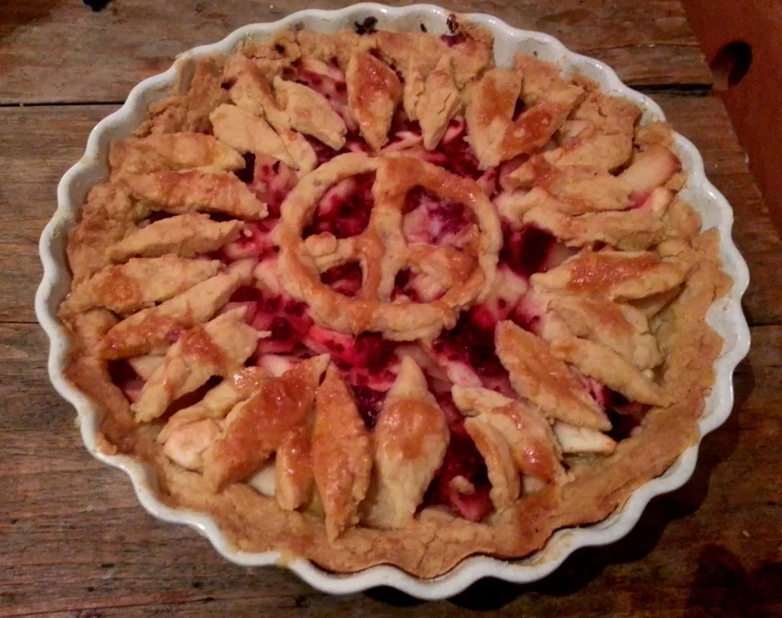 Spot the penguin pie crust decoration for Apple pie decoration
