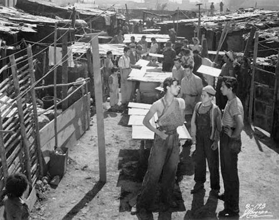 an analysis of the setting in the film los olvidados Buñuel's rough-and-ready picture from 1950 - restored as part of the director's season at london's national film theatre - was made in 21 days on mexico city's mean shanty-town streets, and has.