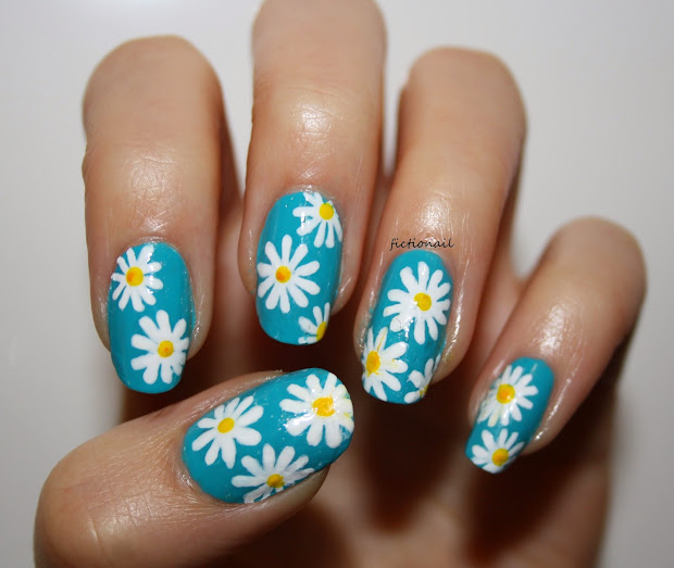 spring daisy nails