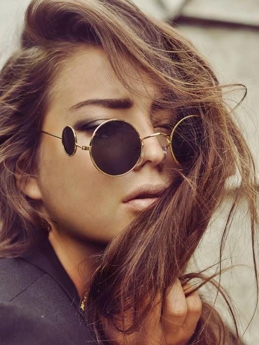 http://www.modekungen.se/en/sunglasses-lennon-15002