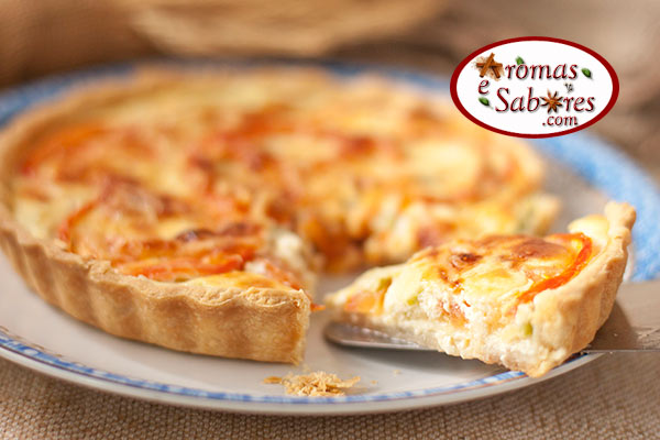 Quiche de abobrinha e tomate