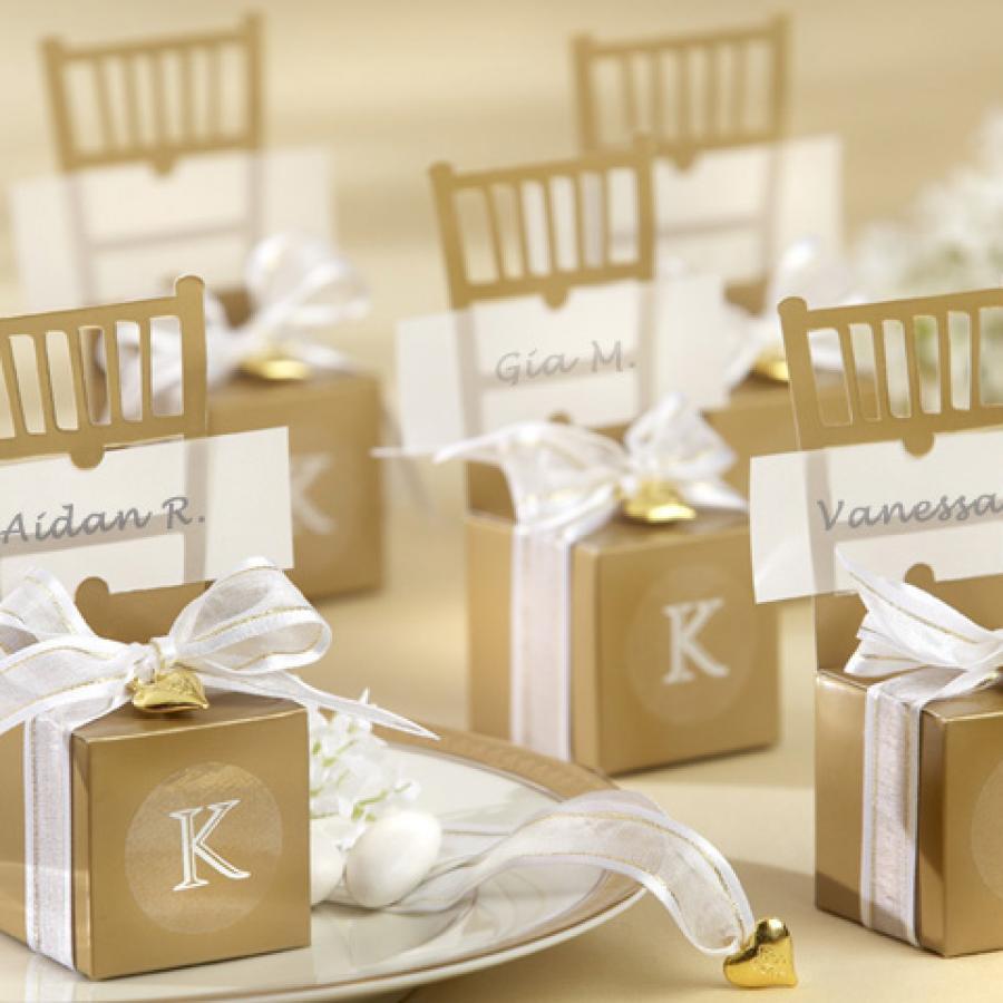 Royal Wedding Accessories: Modern Wedding Favor Ideas