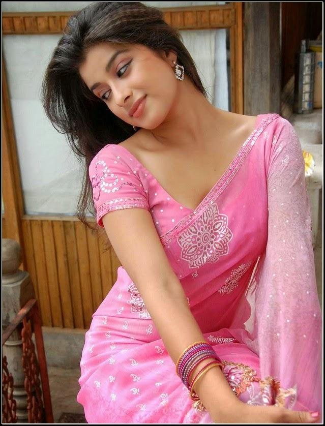 actress madhurima banerjee gorgeous images in sexy saree cap