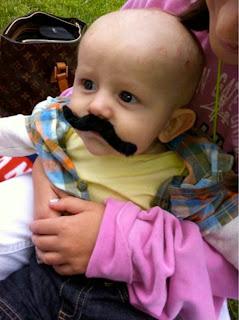 Gambar bayi lucu pakai kumis 23