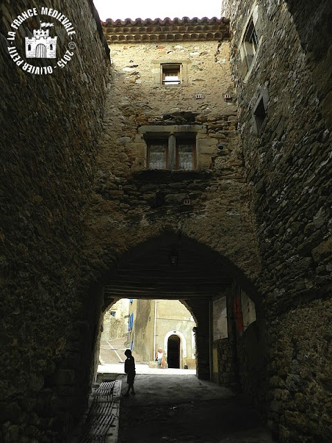 LA CAUNETTE (34) - Porte fortifiée de l'Ormeau