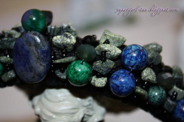 диадема с камнями