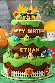 Precioso pastel de cumpleaños, se trata de un pedacito de jardín con
