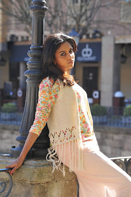 Amala Paul hot in iddarammayilatho 014 Actress Amala Paul Latest Beautiful Photos