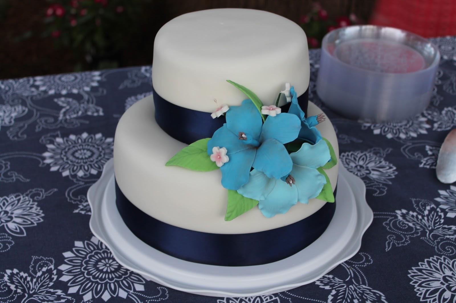 Sarah Leavitts Cakes Wedding Cake Navy Blue And White Hawaiian Theme