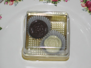 2pcs chocs + square box