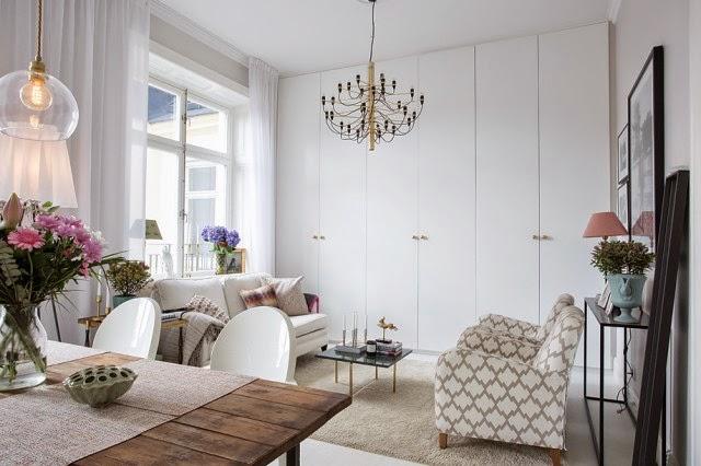 Interior femenino y elegante mini apartamento virlova for Decoracion de mini apartamentos