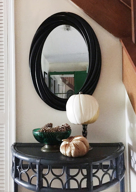 A Fall and Halloween inspired blog hop home tour