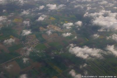 Tyskland, Skåne, utsikt från flygplan, landsbygd, moln, Germany, Sweden view from plane, airplane, clouds, fields, countryside