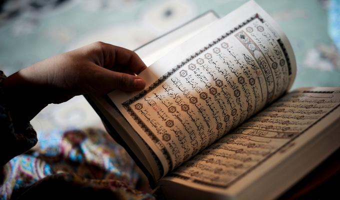 Lebih Utama Menghafal Atau Membaca Alquran Ketika Ramadhan?