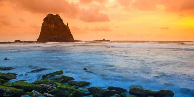 Mitos Gaib Yang Populer Di Pantai Papuma