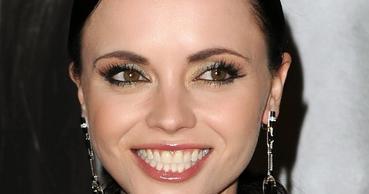the cases of karen carpenter and christina ricci Find helpful customer reviews and review ratings for the case of karen carpenter and christina ricci at amazoncom read honest and unbiased product reviews from our users.